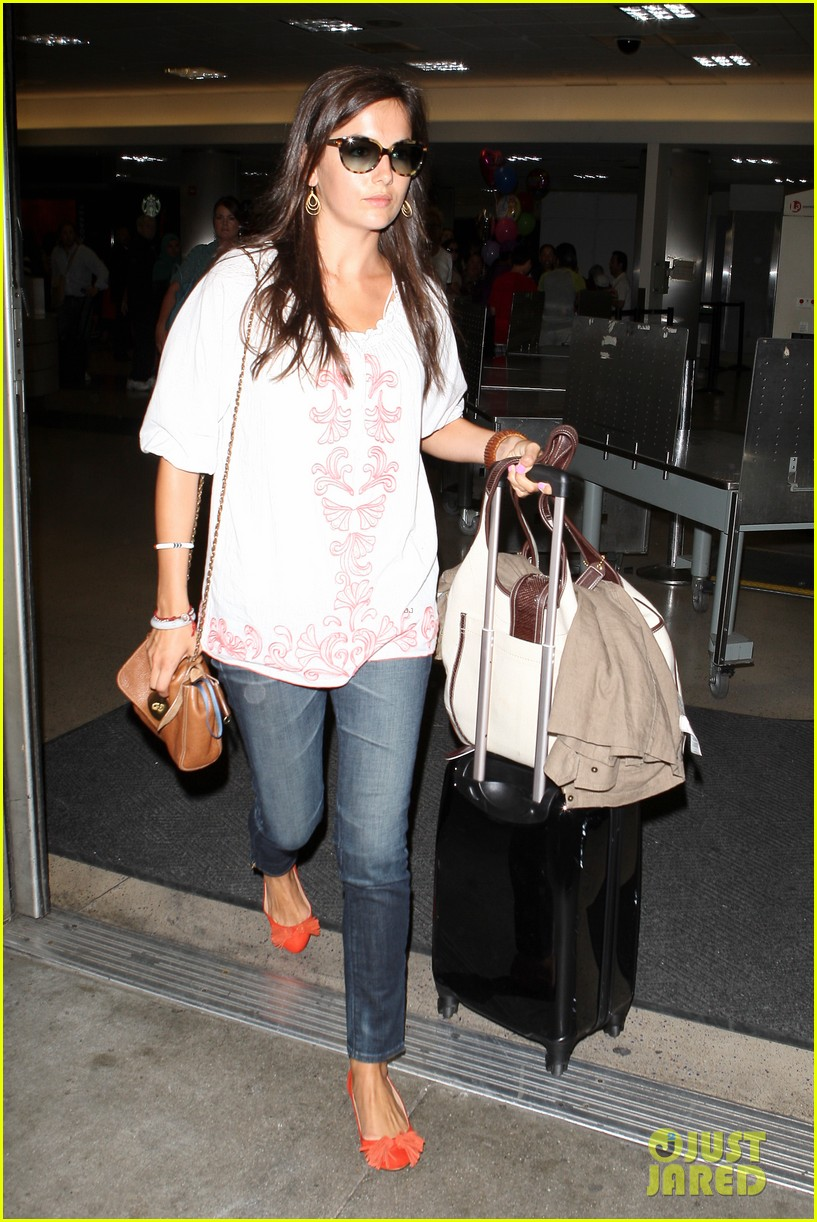 camilla belle lands in los angeles with evolet 102692678