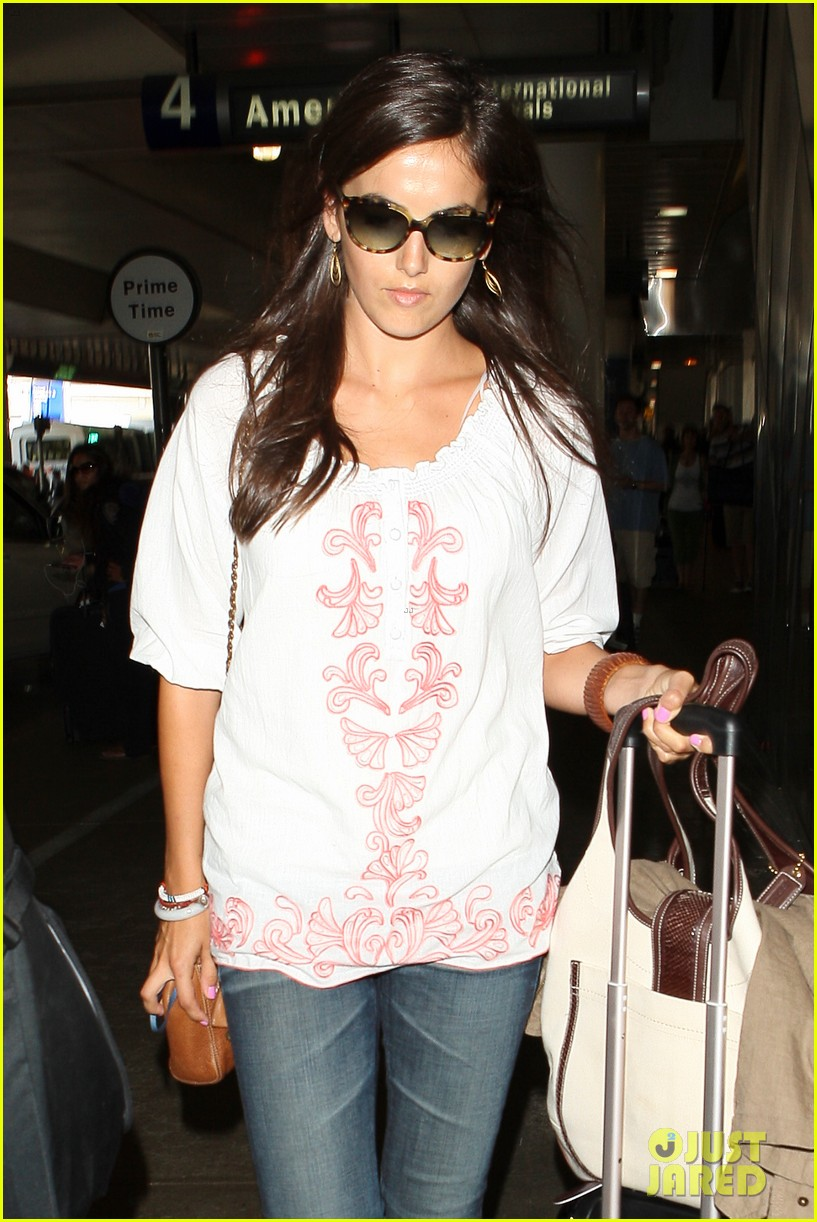 camilla belle lands in los angeles with evolet 122692680