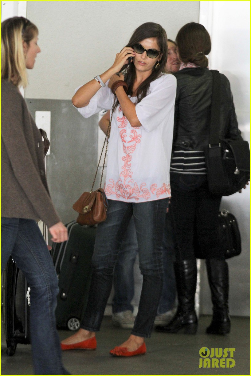 camilla belle lands in los angeles with evolet 132692681