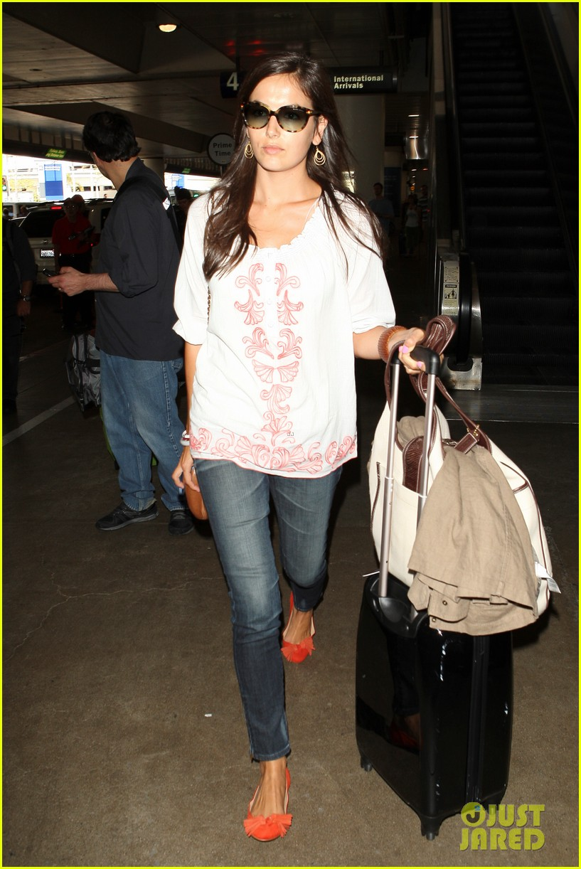 camilla belle lands in los angeles with evolet 142692682