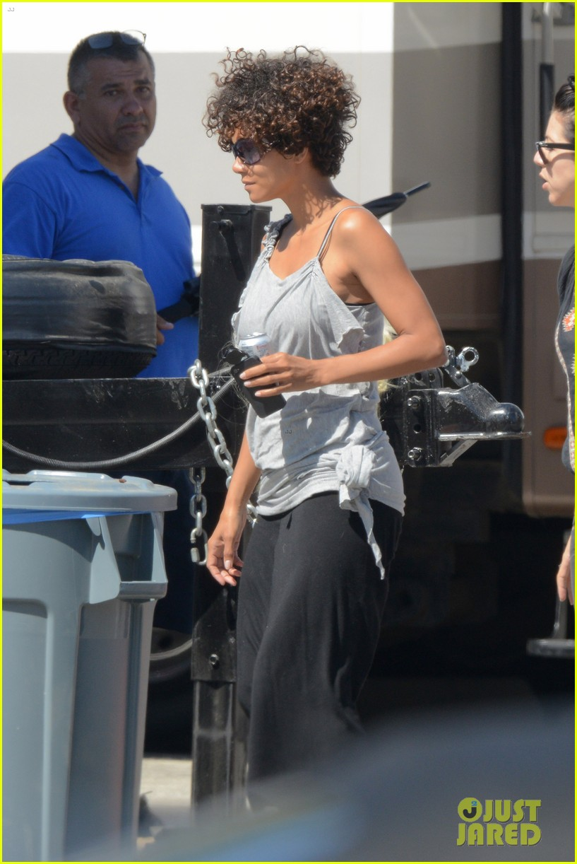halle berry returns to hive set after hospitalization 062689578