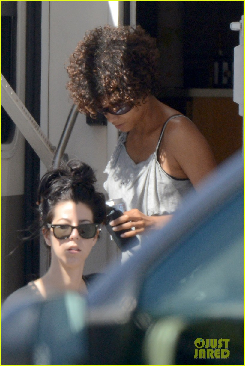 halle berry returns to hive set after hospitalization 082689580