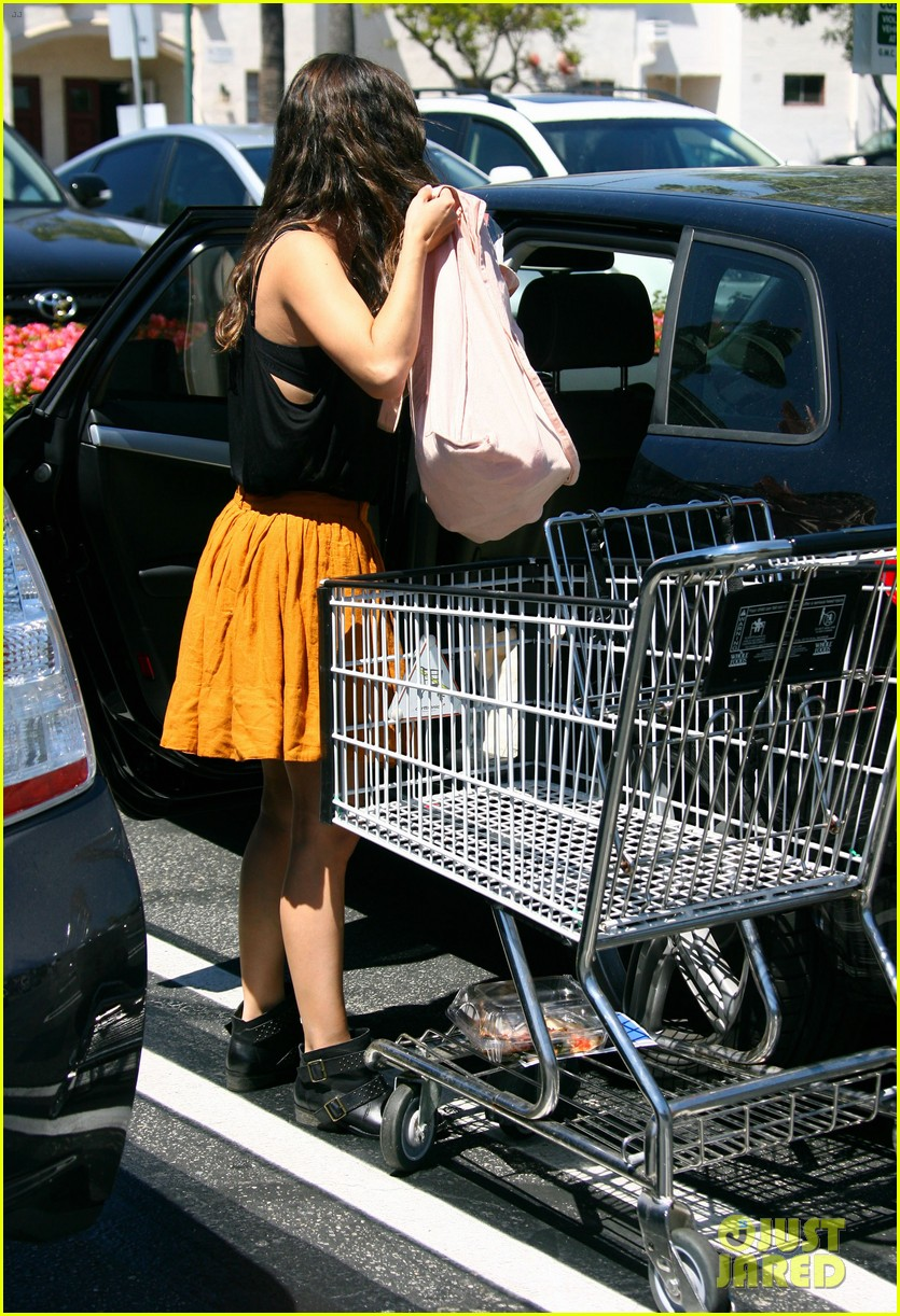rachel bilson whole foods grocery shopping 152689570