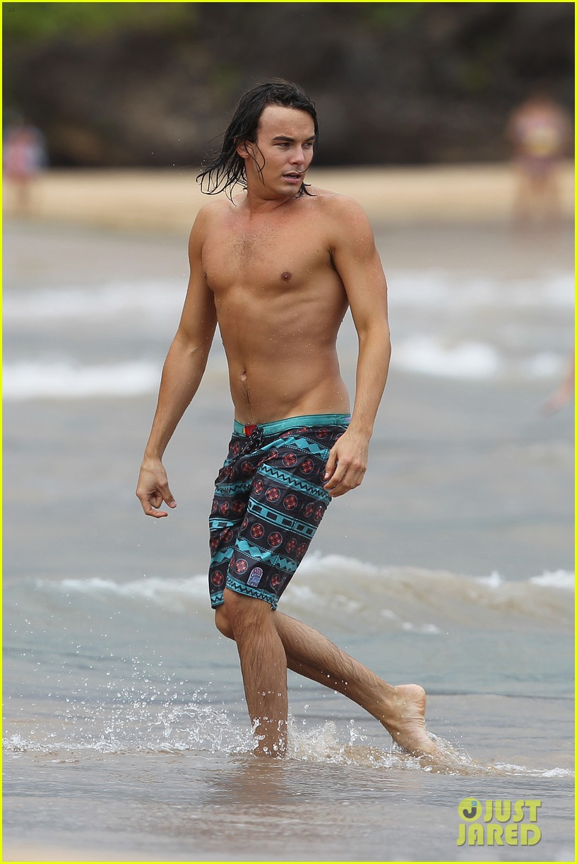 tyler blackburn hammock hottie pretty little liars 012695006