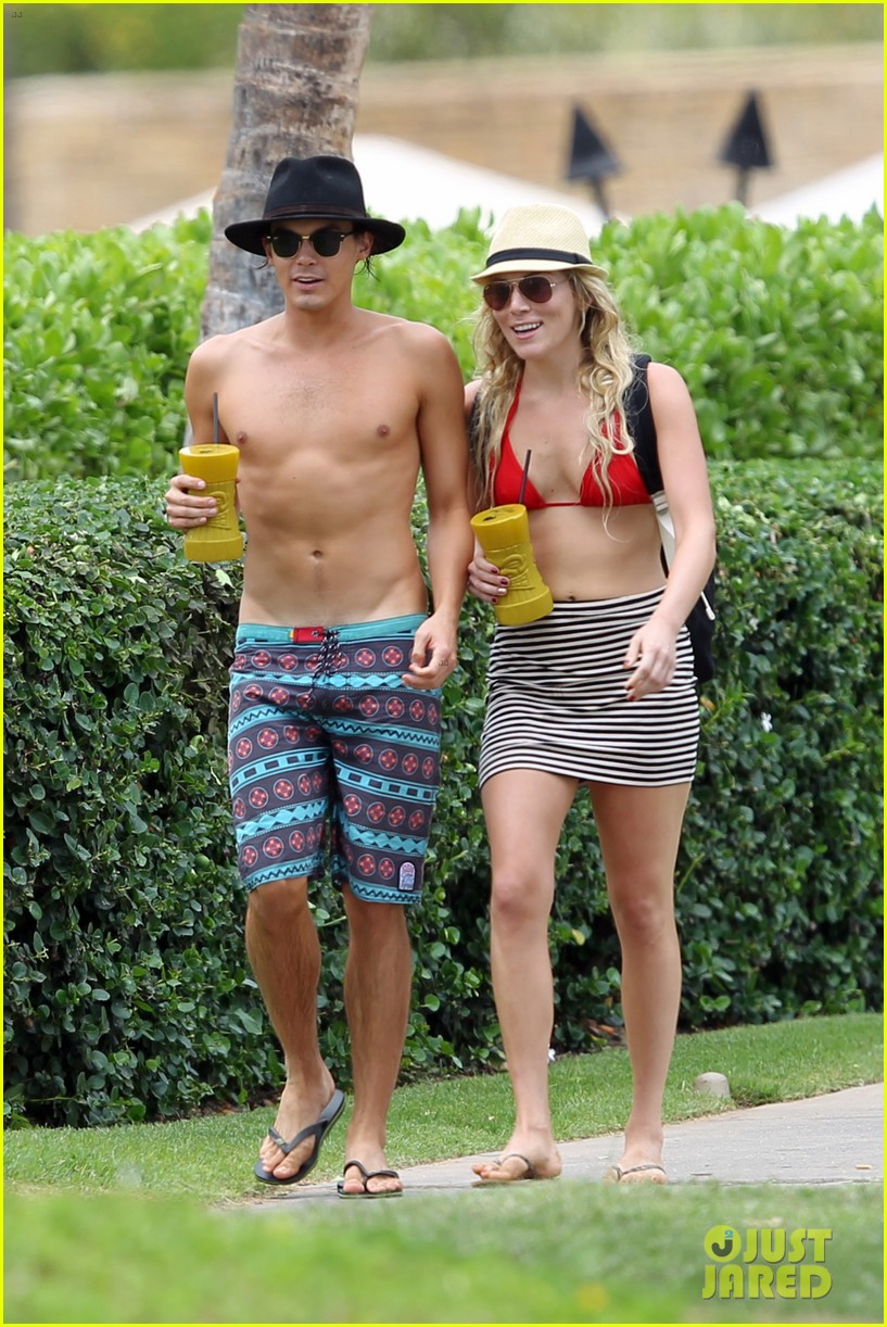 Pretty Little Liars' Tyler Blackburn: Shirtless Hammock Hottie