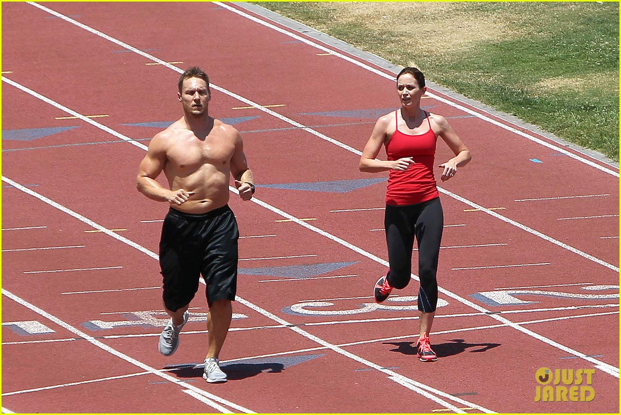 emily blunt workout 042687318