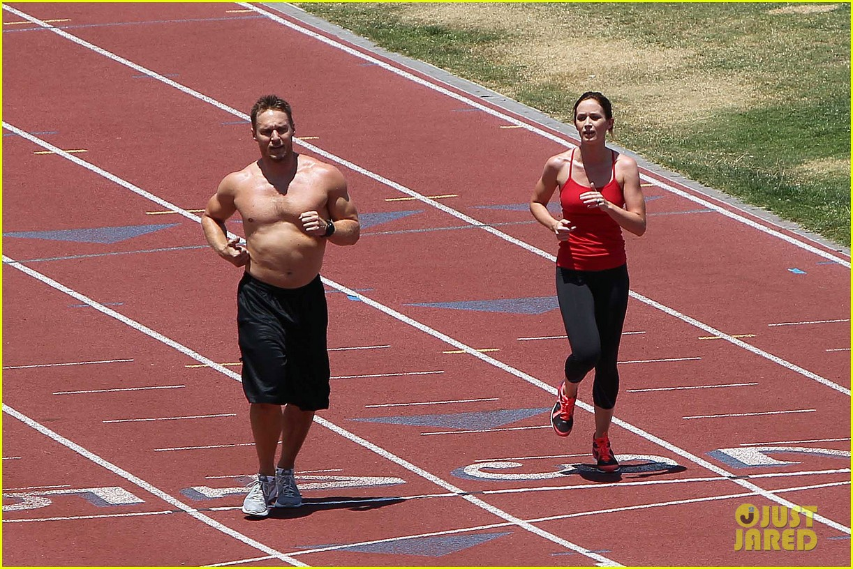 emily blunt workout 082687322