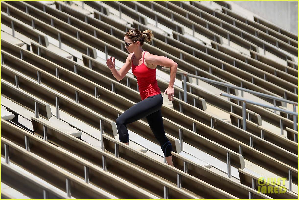 emily blunt workout 122687326