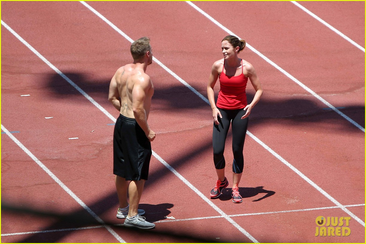 emily blunt workout 172687331