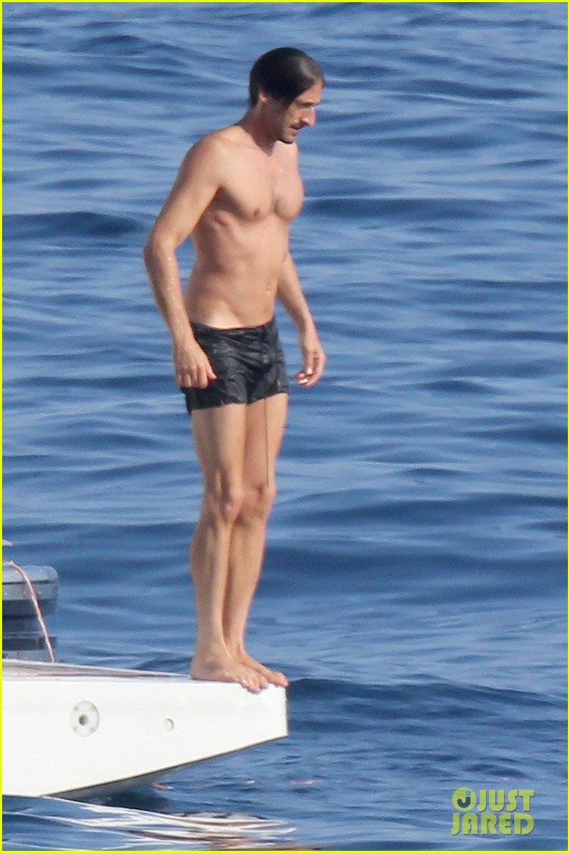 adrien brody shirtless yacht ride with girlfriend 012683665