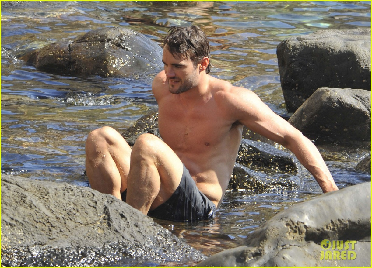 kelly brook thom evans ischia boat ride 042686447