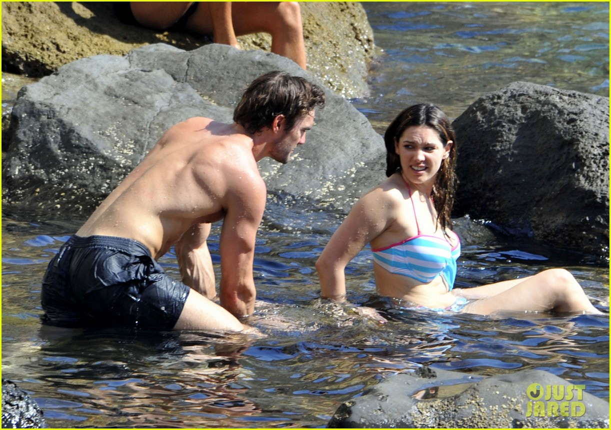 kelly brook thom evans ischia boat ride 102686453