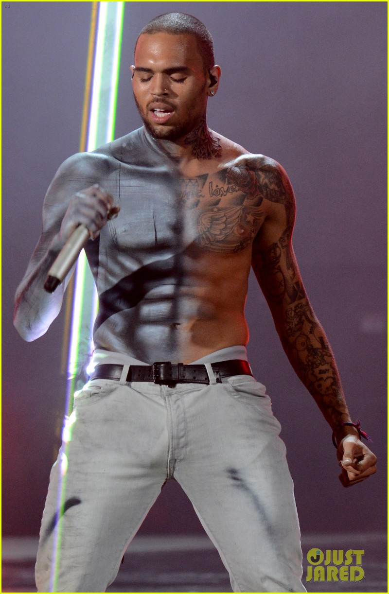 chris brown shirtless for bet awards performance 23