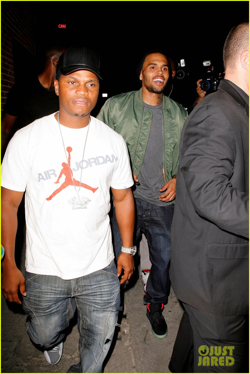 chris brown grills out at av nightclub 082682390