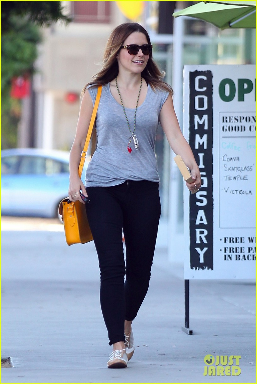 sophia bush coffee lunch 02