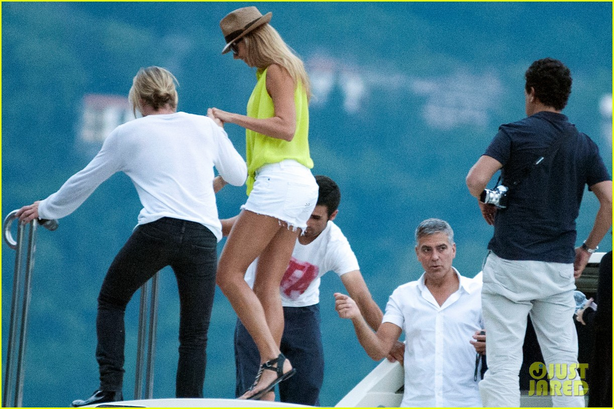 george clooney stacy keibler lake como with friends 052693566