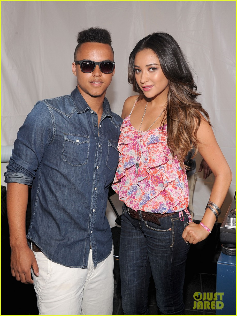 connor cruise live your life launch with shay mitchell 022691872