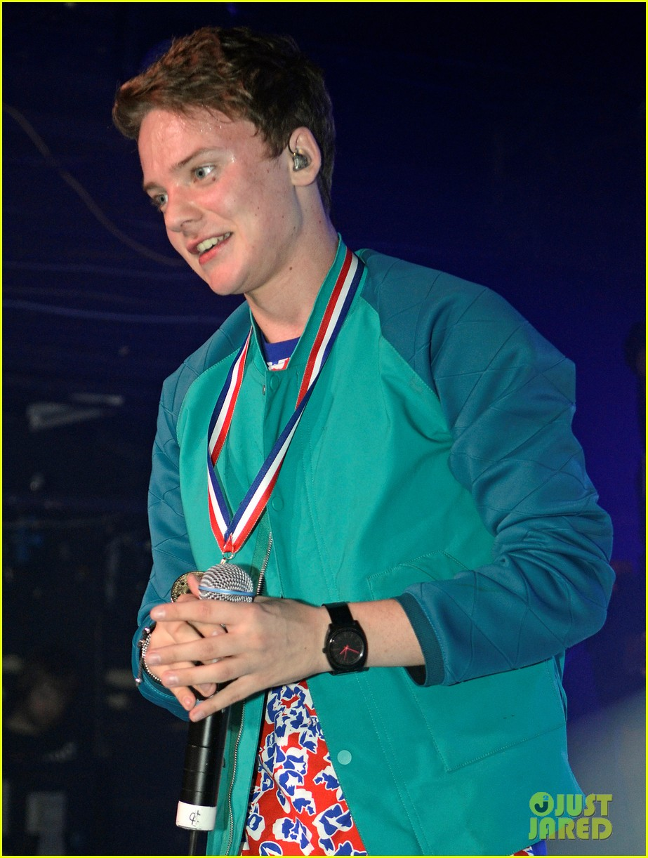 conor maynard gay bar performance 222693752