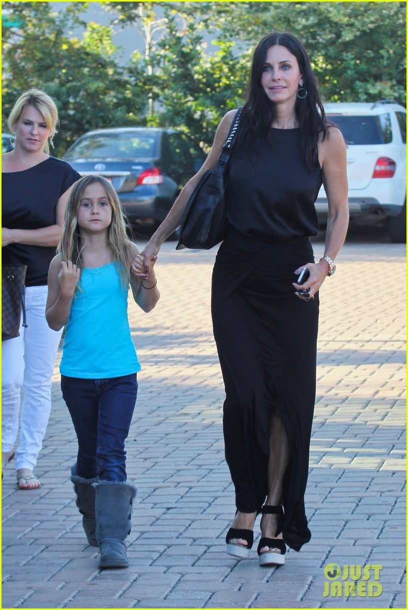 courteney cox coco habana cafe 02
