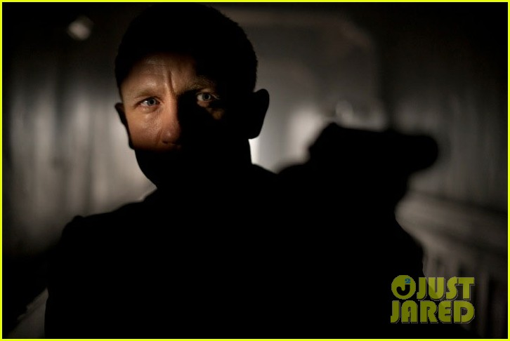 daniel craig skyfall international trailer 032694760