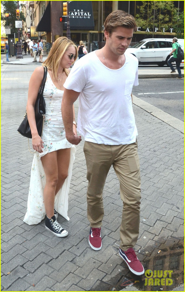 miley cyrus liam hemsworth capital grille lunch date 032689175