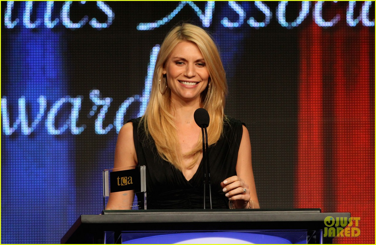 claire danes wins tcas outstanding achievement in drama 032693639