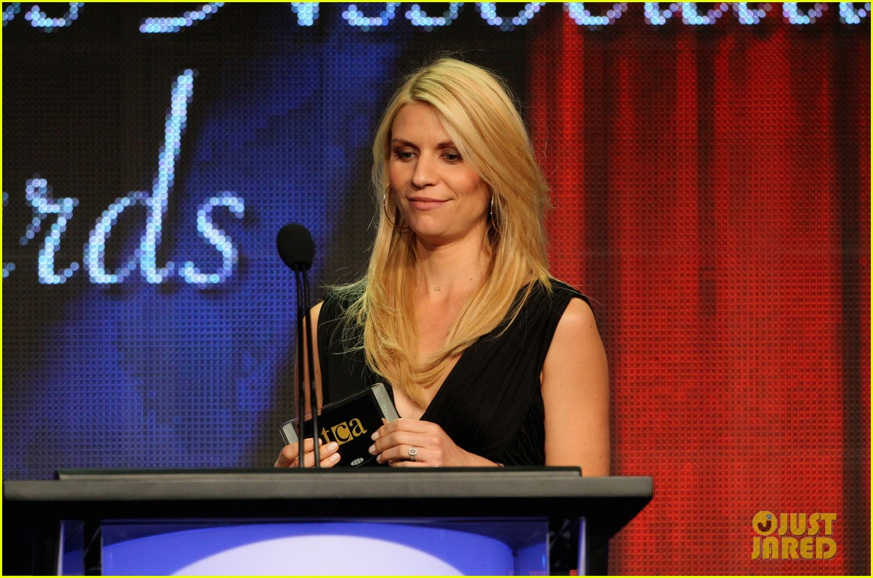 claire danes wins tcas outstanding achievement in drama 082693644