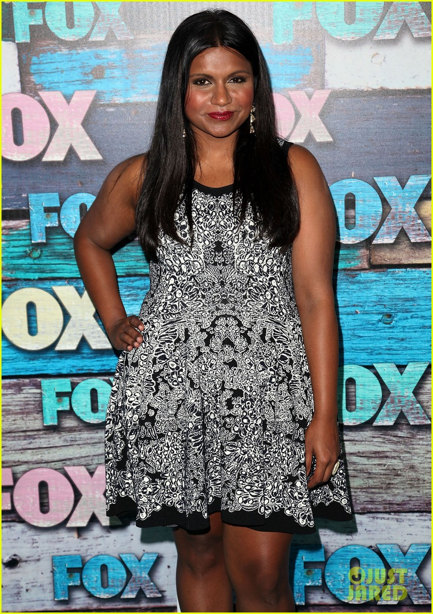 zooey deschanel mindy kaling fox all star party 122691290