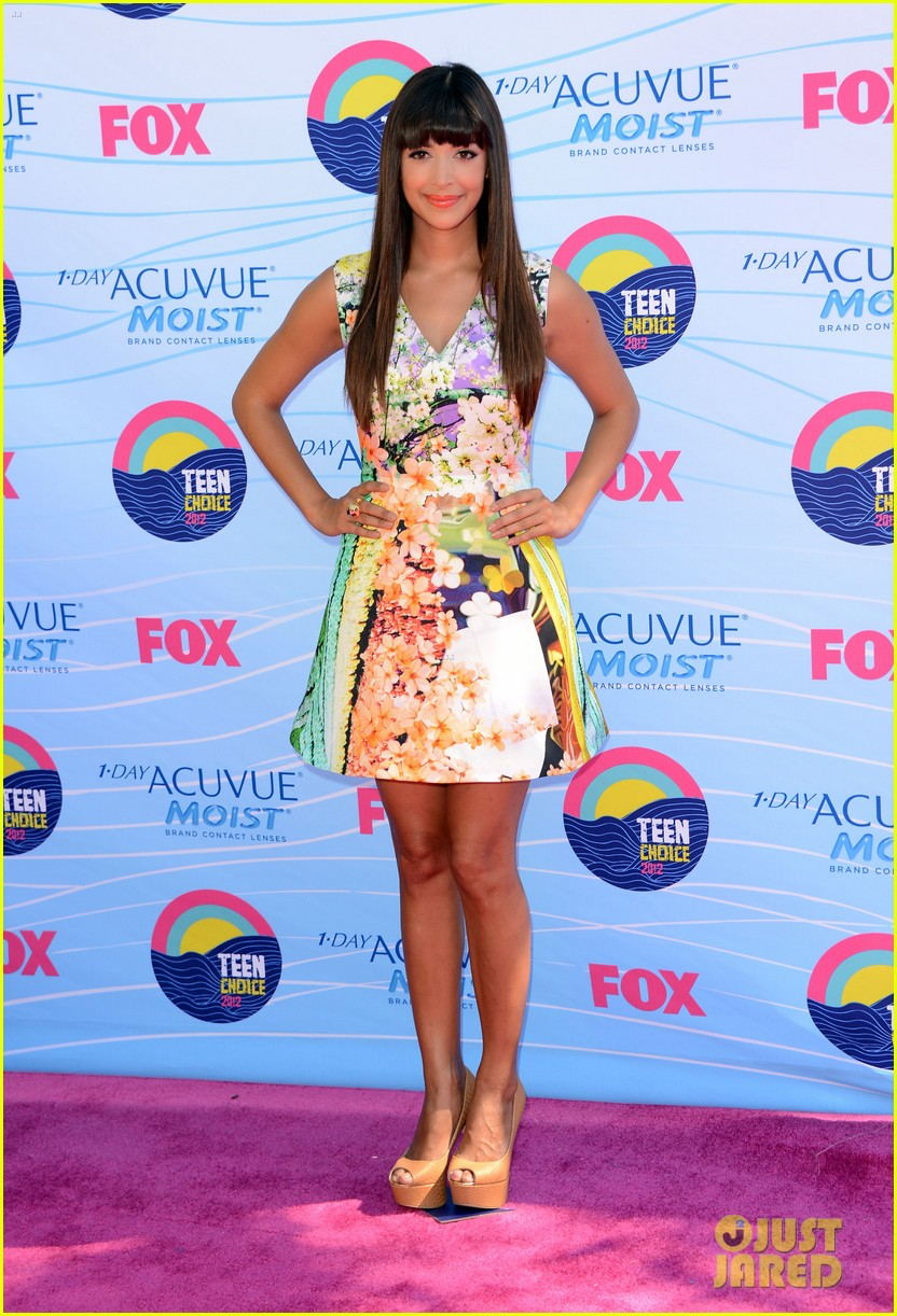 zooey deschanel hannah simone teen choice awards 042690642