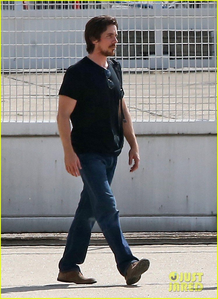 anne hathaway christian bale leaving paris 01