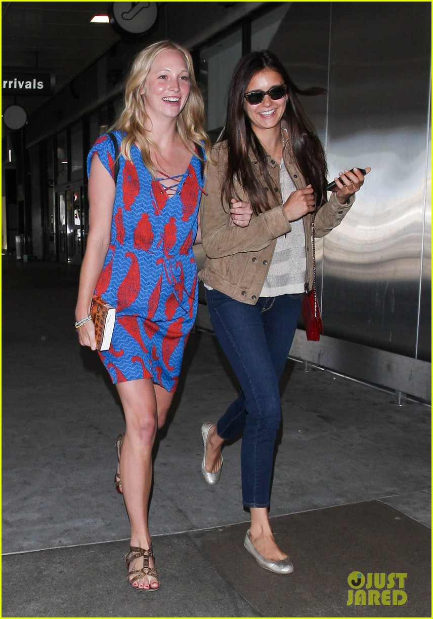 vampire diaries cast landing at lax 062684145