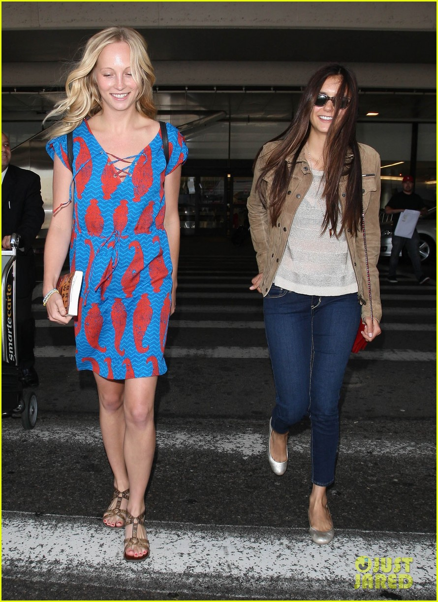 vampire diaries cast landing at lax 13