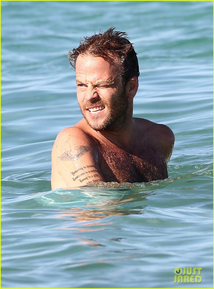 shirtless stephen dorff vacations with tara reid 12