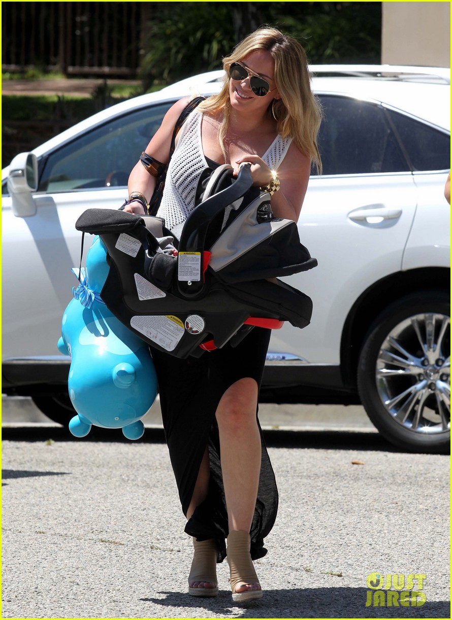 hilary duff baby shower with luca 04