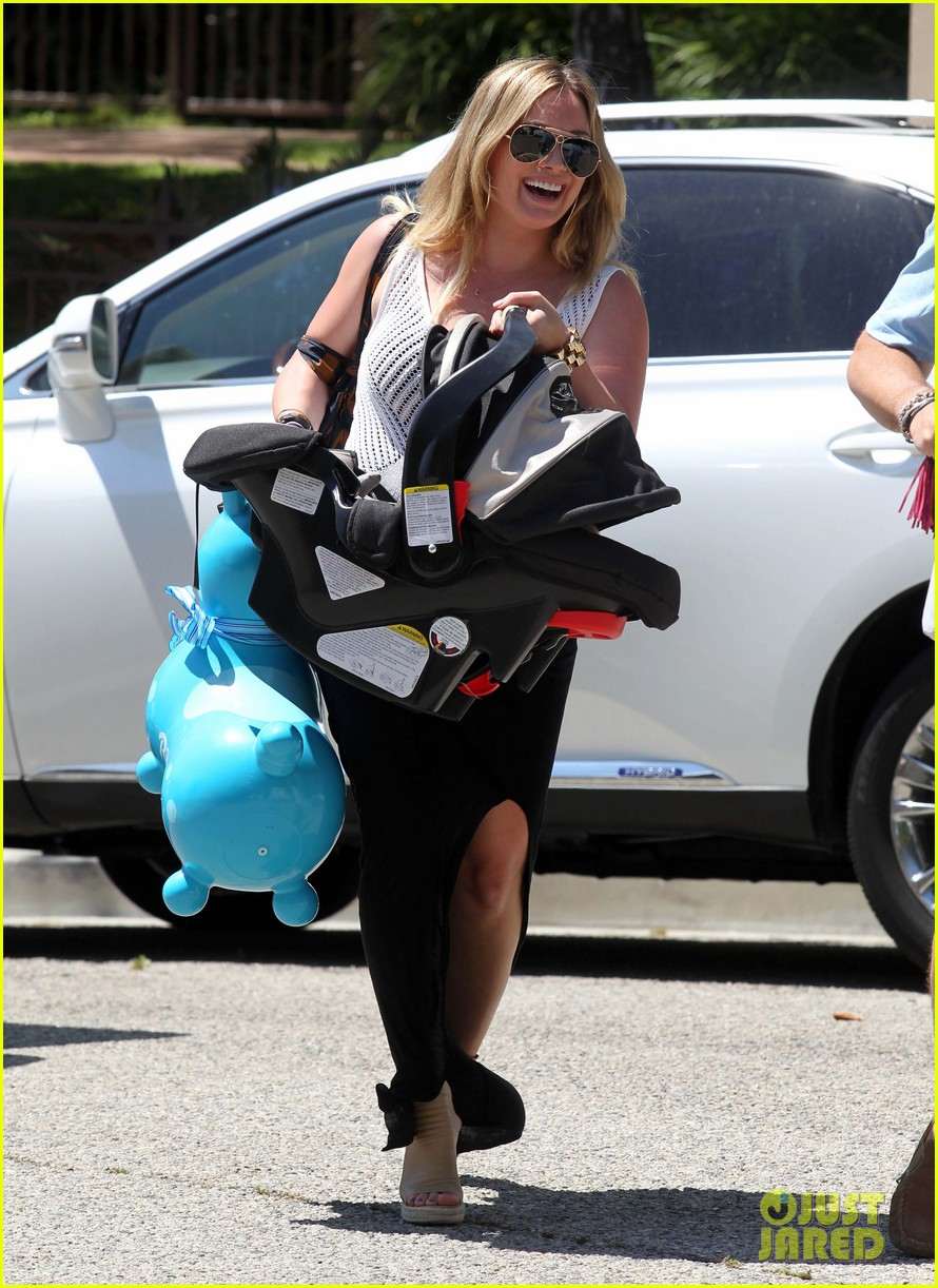 hilary duff baby shower with luca 09