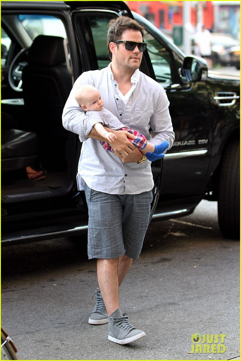 hilary duff new york dinner with baby luca 042688213