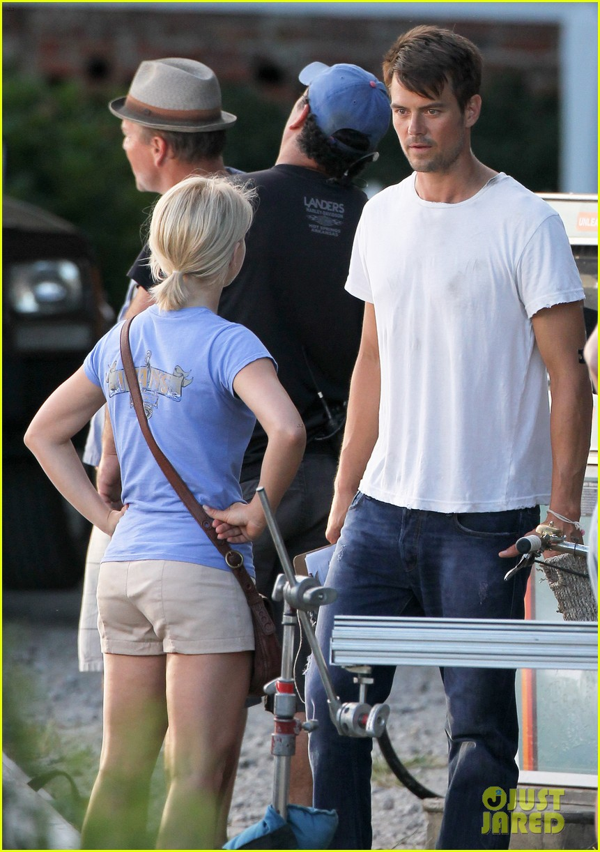 josh duhamel julianne hough safe haven set 032688759