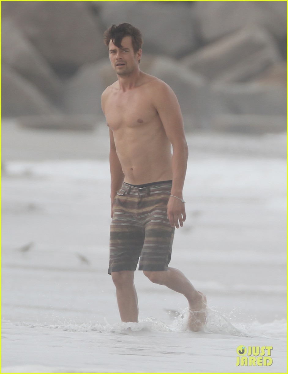 josh duhamel shirtless beach filming 022694547