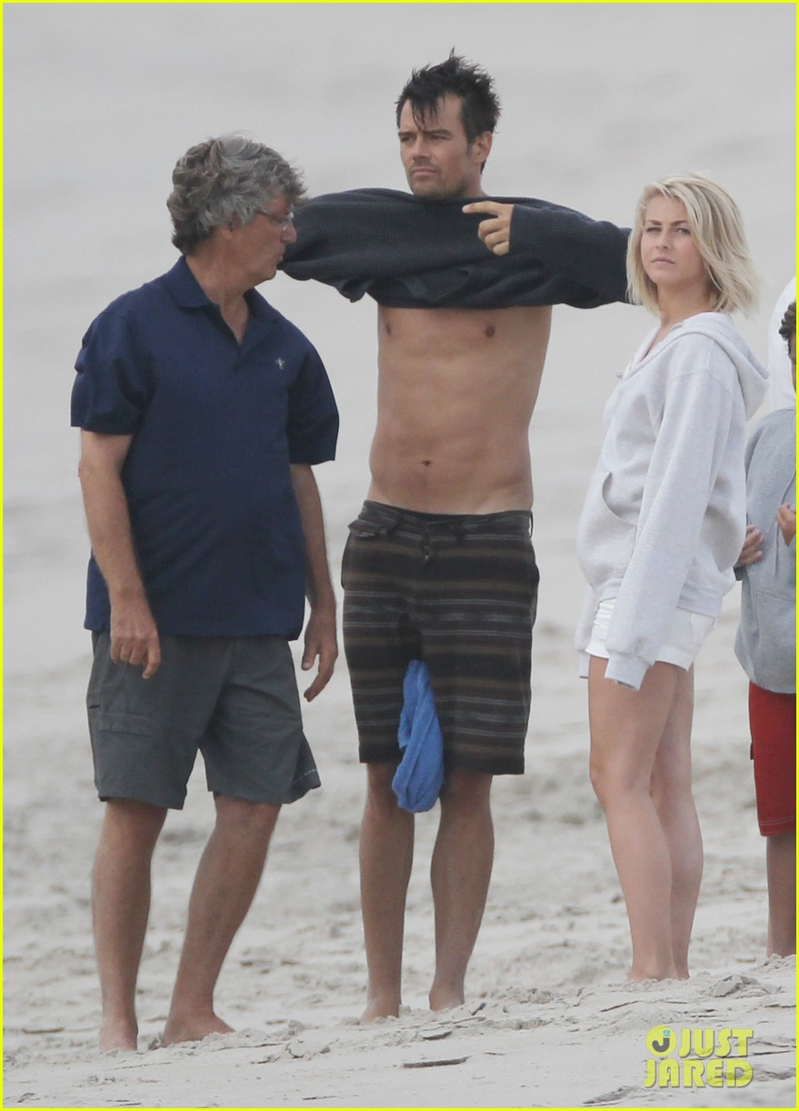 josh duhamel shirtless beach filming 042694549