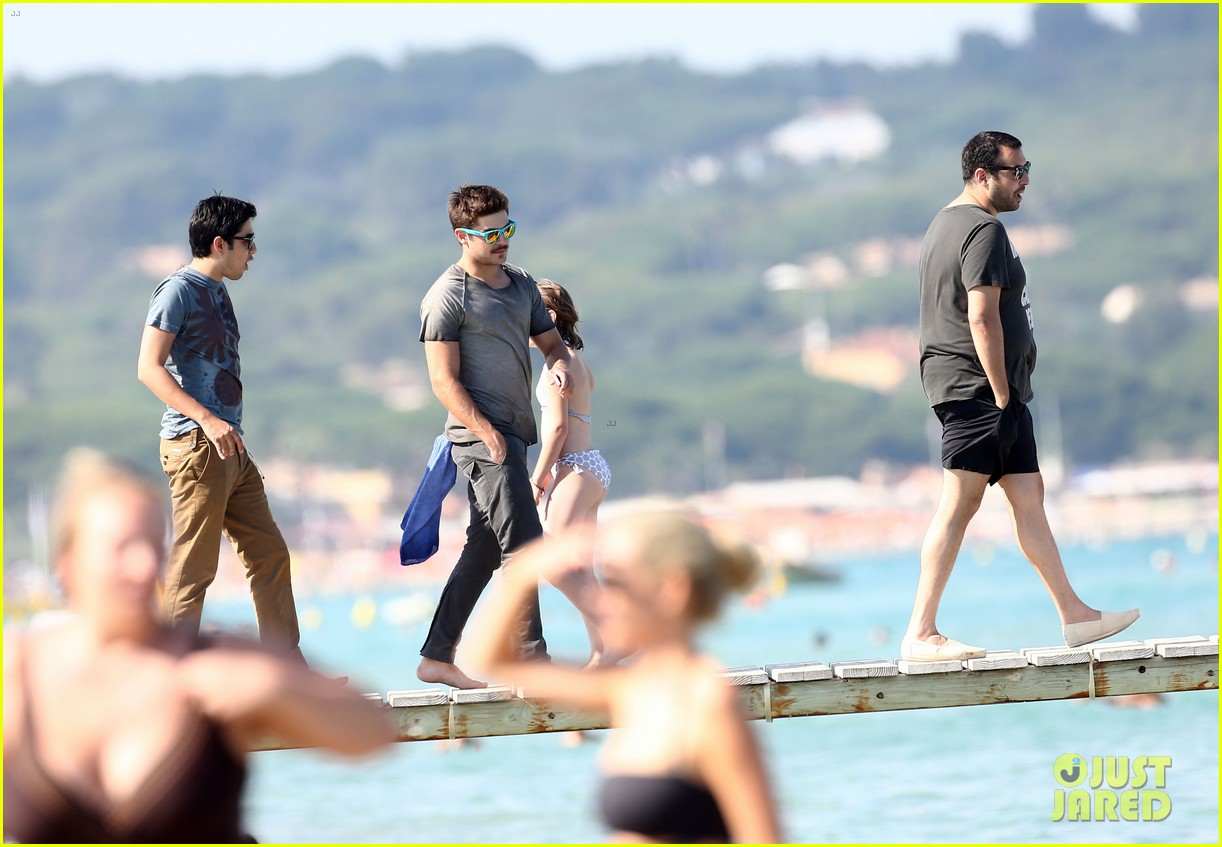 zac efron shirtless july 4 saint tropez 13