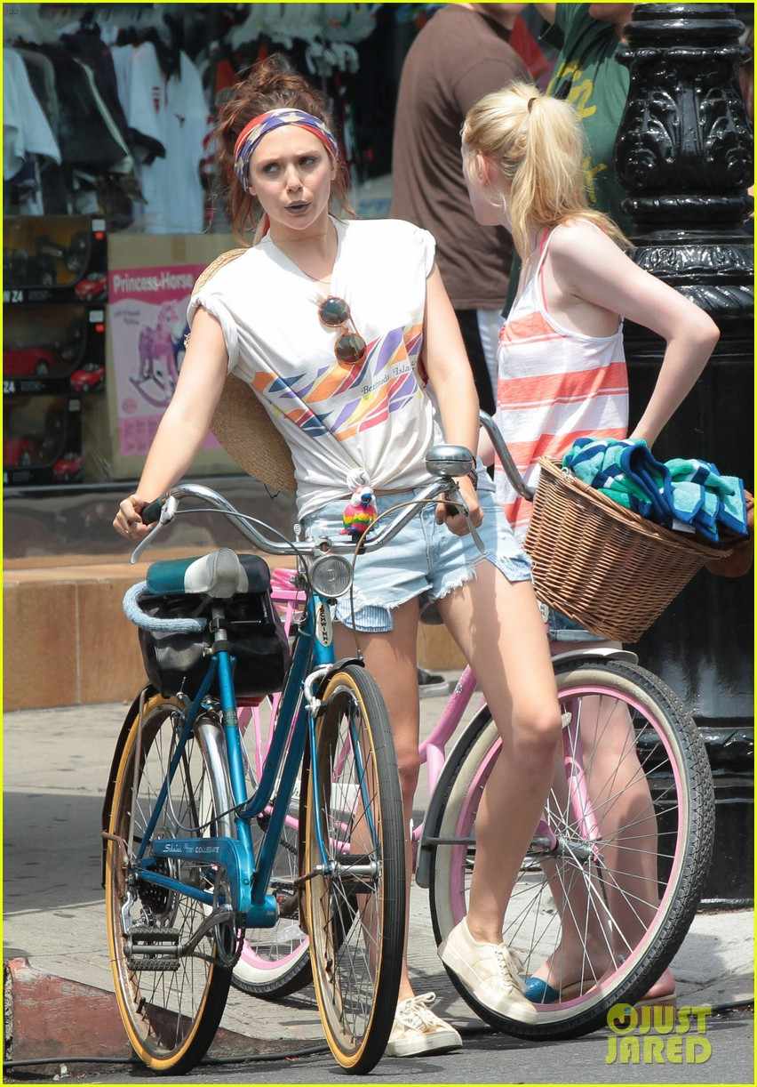 dakota fanning elizabeth olsen big apple bicycles 052683780