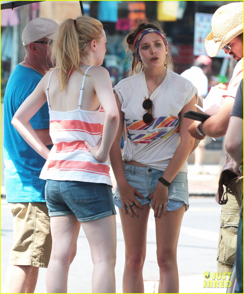 dakota fanning elizabeth olsen big apple bicycles 062683781