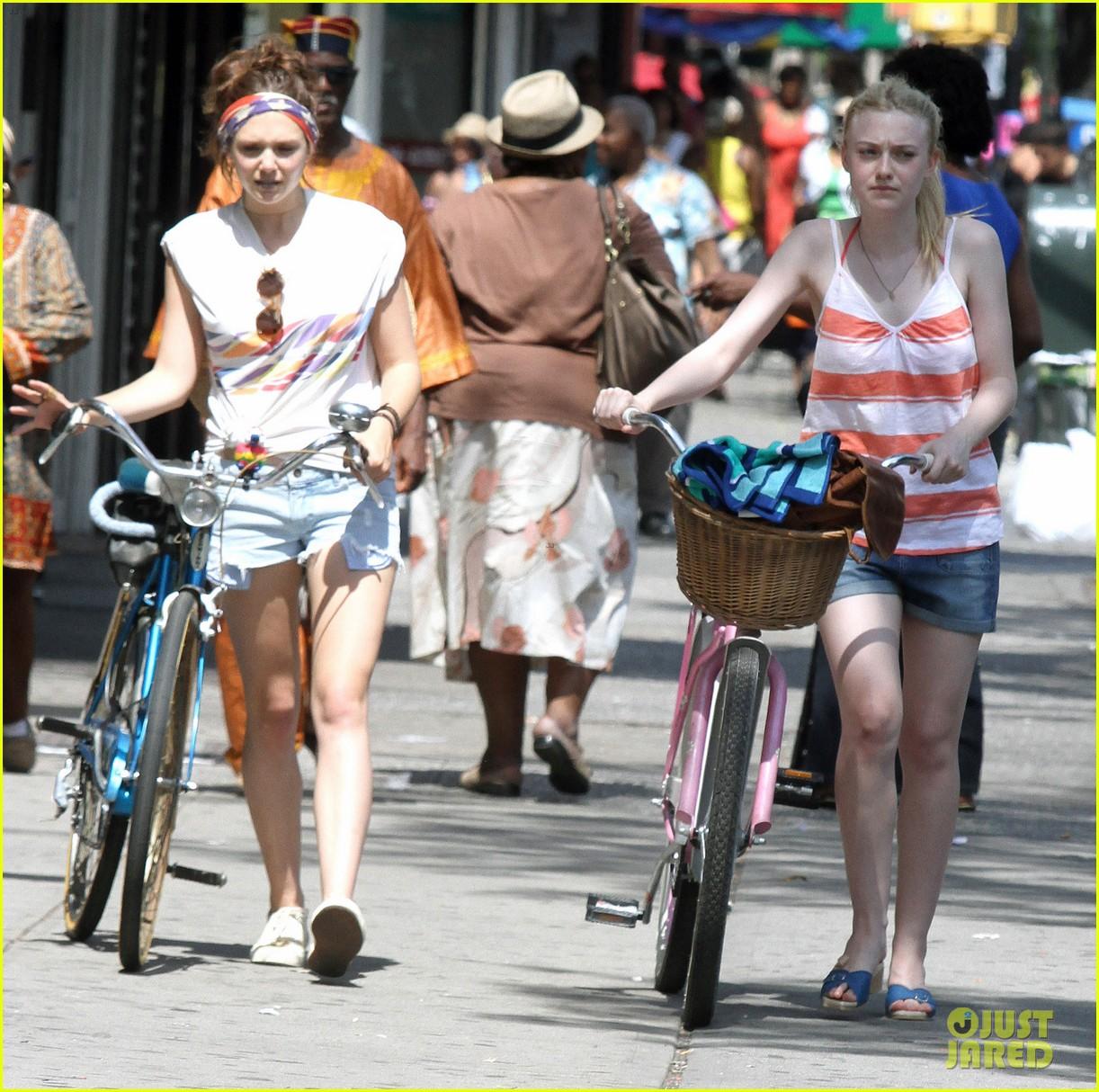 dakota fanning elizabeth olsen big apple bicycles 232683798