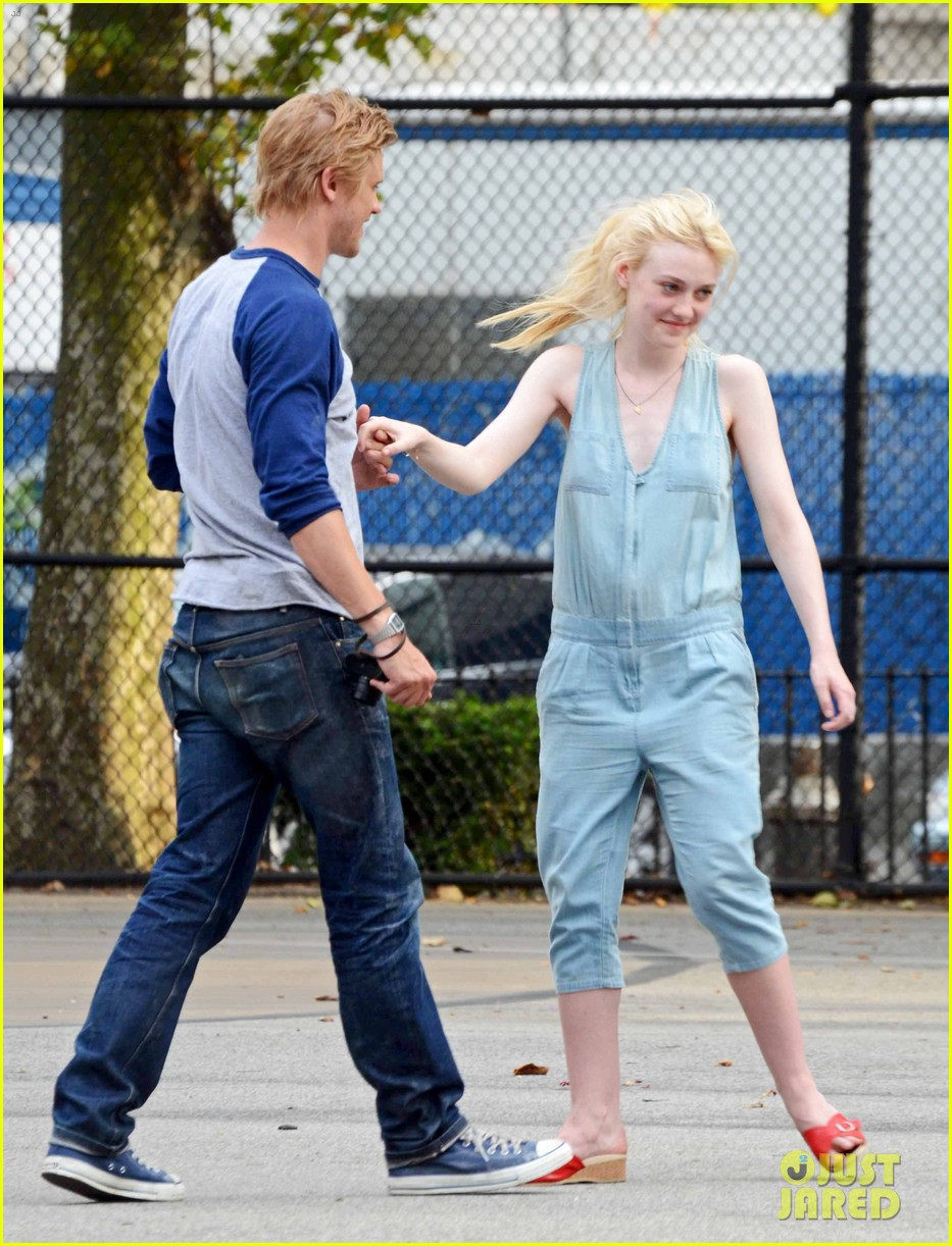 dakota fanning very good girls boyd holbrook 172683258