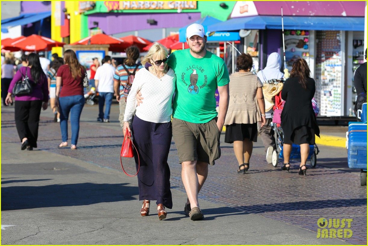 anna faris santa monica pier with chris pratt 12