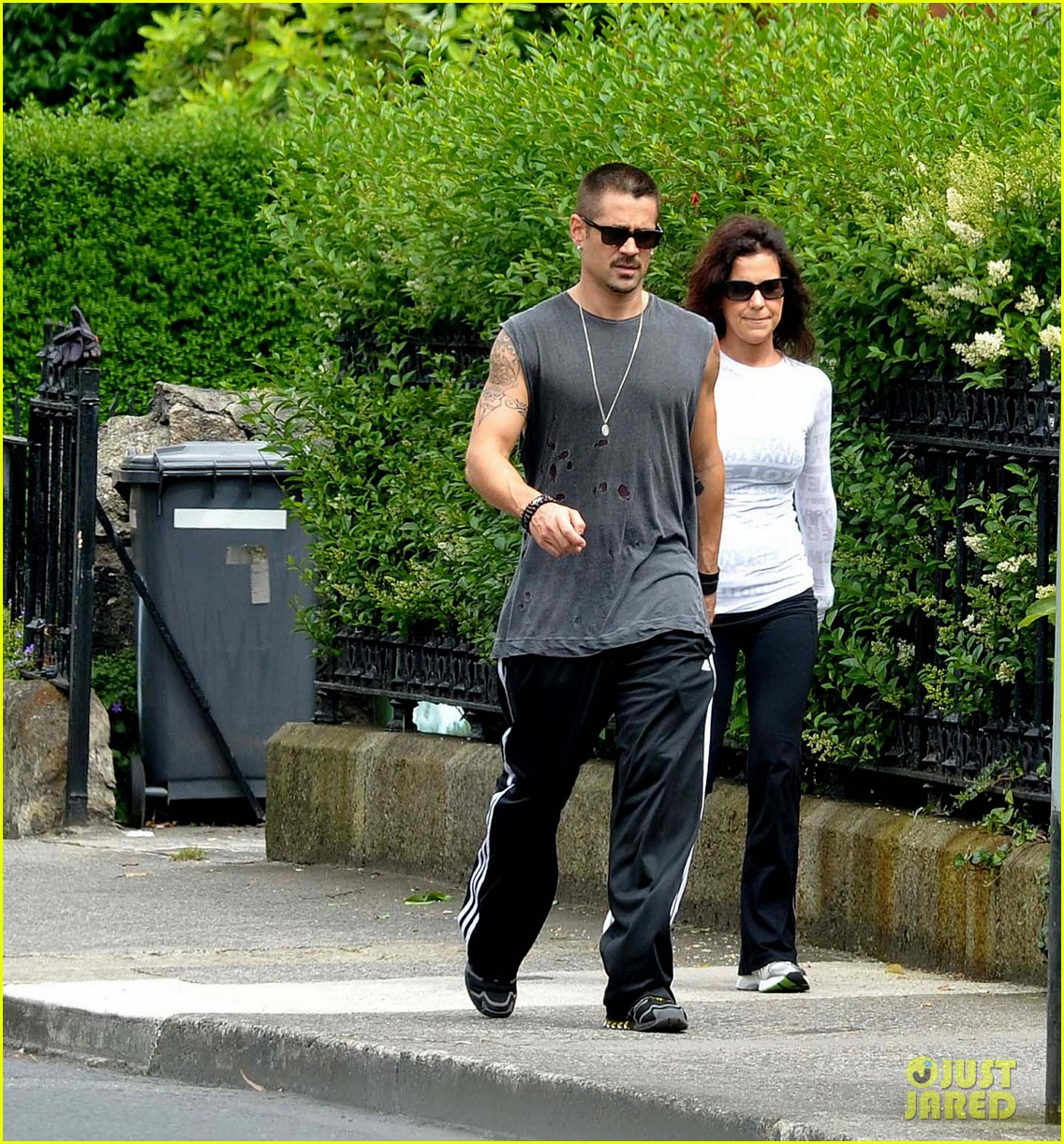colin farrell morning stroll with sis claudine 01