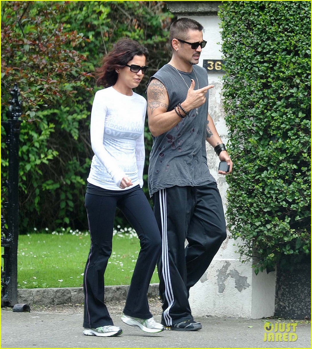 colin farrell morning stroll with sis claudine 042683826