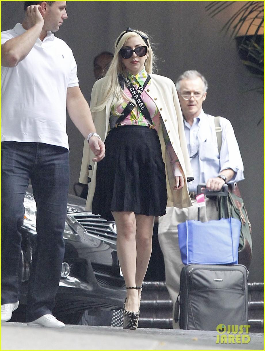 PICS: Lady Gaga and Lindsay Lohan's Chateau Marmont sleepover PICS: Lady Gaga and Lindsay Lohan's Chateau Marmont sleepover new pictures