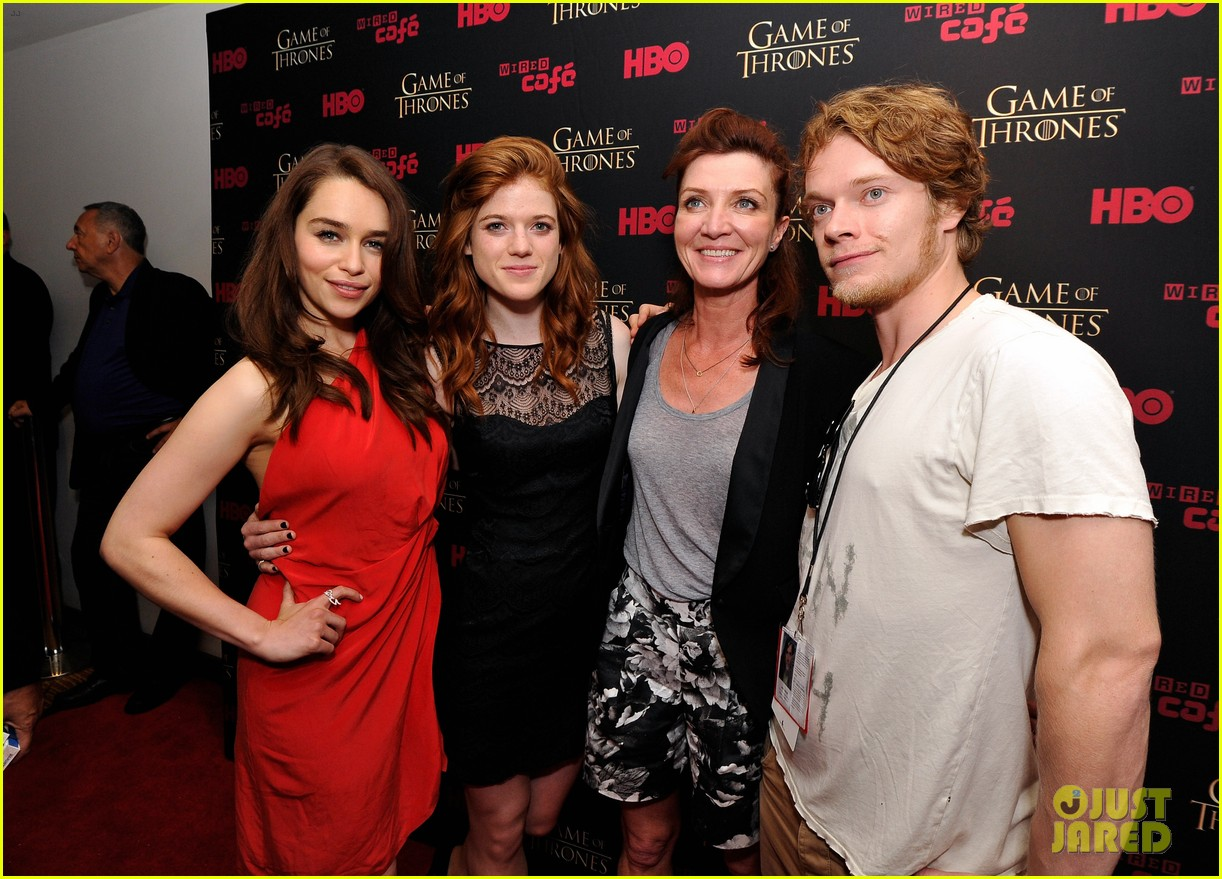 game of thrones takes over comic con 2012 032687366