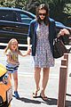 jennifer garner menchies with seraphina 01